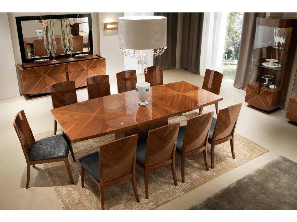 Обеденный стол в гостиной фото
